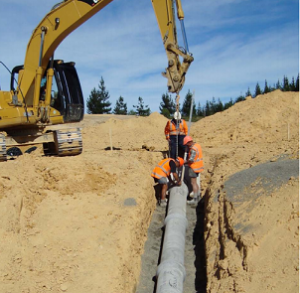 laying_concrete_pipe